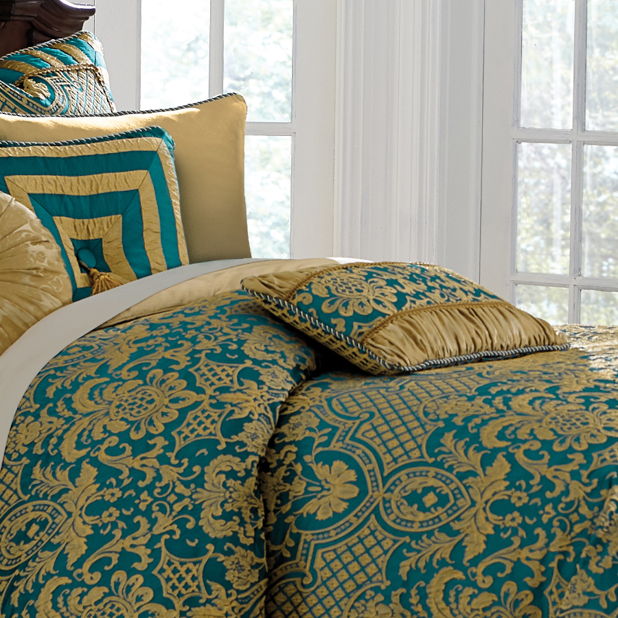Michael Amini Aristocrat Bedding King And Queen Size