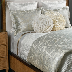 Single Diamond Coverlet Set in Ivory