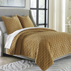 Villanova Coverlet Set