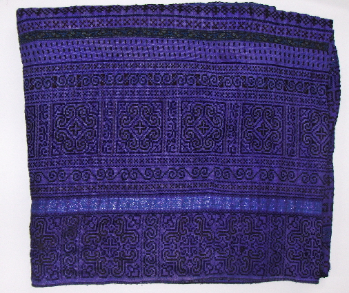 THVTG3 Hmong Hilltribe embroidered throw