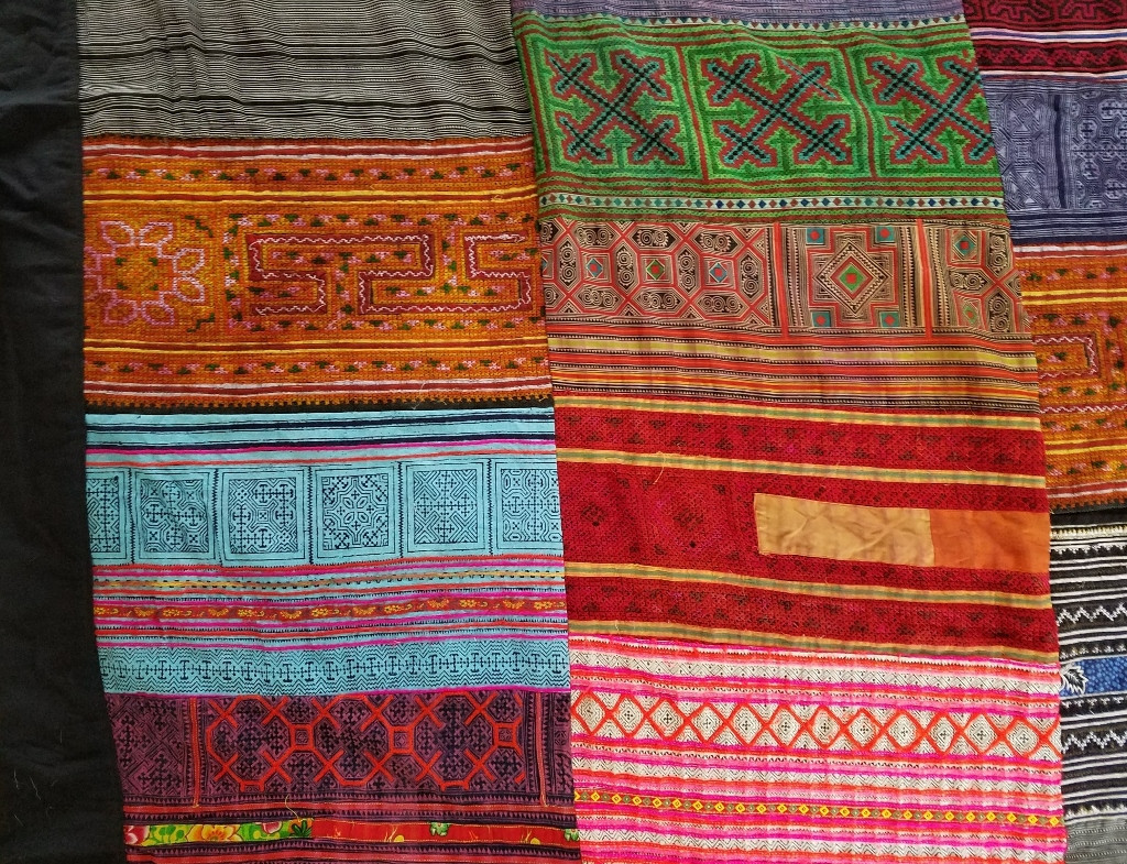 THVTG8 HUGE Vintage Hmong Hill tribe patchworked embroidered throw/bedcover