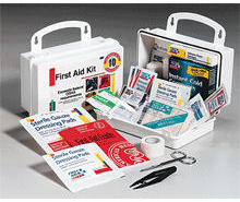 10 PERSON - 62 PIECE FIRST AID KIT W/GASGET