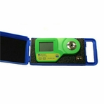 Milwaukee MA885-BOX DIGITAL REFRACTOMETER %Brix - 記echsle - 袁MW user select scales & Automatic Temperature Compensation (ATC), in Protective Case