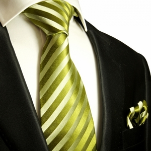 Green Necktie and Pocket Square by Paul Malone  . 100% Silk (984H)