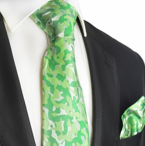 Kelly Green Camouflage Silk Tie Set by Paul Malone