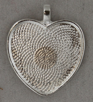 "Heart Shape Picture Holder 1"" Wide"