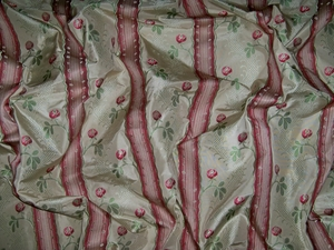 CLARENCE HOUSE MAITLAND SHABBY ROSES (ROSEBUDS) FRENCH LISERE SILK DAMASK FABRIC 5 YARDS CREAM