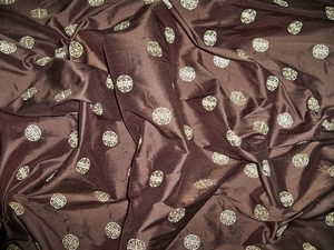 KRAVET COUTURE CHINOISERIE ASIAN EMBROIDERED MEDALLIONS SILK FABRIC 9 YARDS