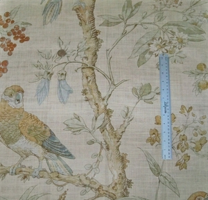 LEE JOFA KRAVET COLORFUL BIRDS TREES LINEN FABRIC GOLD AMBER BLUE