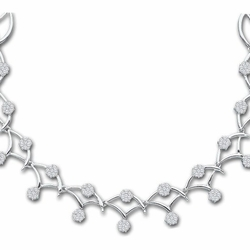 14k White Gold 3.50Ct-Dia Flower Necklace