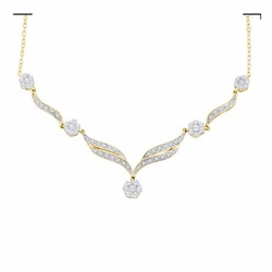 14k Yellow Gold 0.76Ctw Round Diamond Ladies Flower Necklace