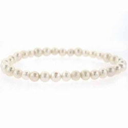 Freshwater Cultured White Pearl Stretch Bracelet