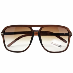 Travel Daily Square Frame Sunglasses Matte Brown Frame Gradient Lens Eyewear
