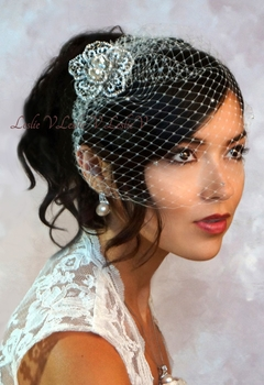 Elizabetta Laced Brooch With Austrian Crystal Birdcage Veil Bridal Wedding 27 Br400