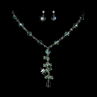 """Killarney"" Swarovski Crystal Necklace and Earrings Set (Peridot Green)"