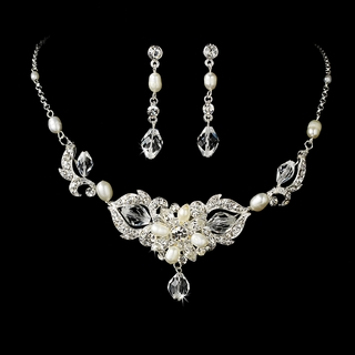 """Melody"" Swarovski Crystal and Freshwater Pearl Necklace and Earrings Set (Silver)"