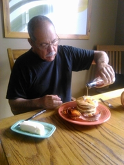 This fan takes his breakfast seriously.