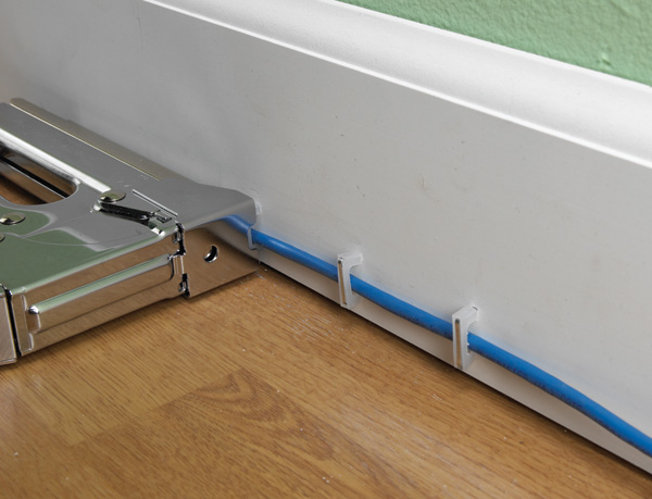 Wire & Cable Tacker (Staple Gun) For NMC Cable - Insulated | Cables ...