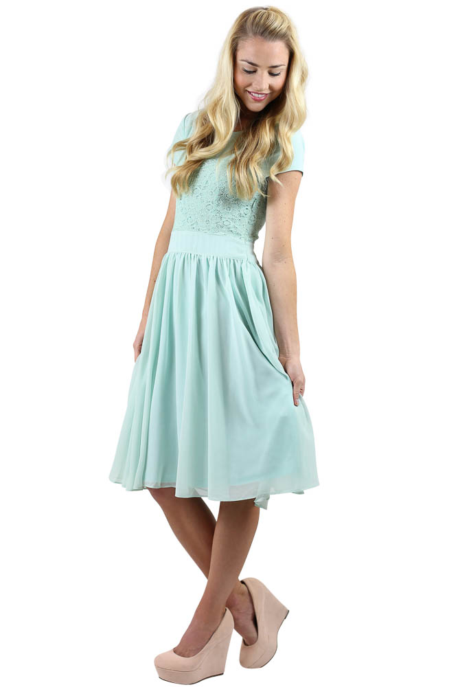 Modest Bridesmaid Dresses in Mint