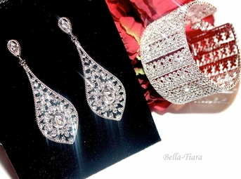 Althea-Stunning swarovski crystal earrings and bracelet set