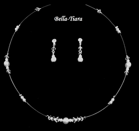Beautiful Crystal & Pearl Communion Necklace Set