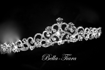 Italian Collection - Carezza -Beautifiul swarovski crystal communion tiara