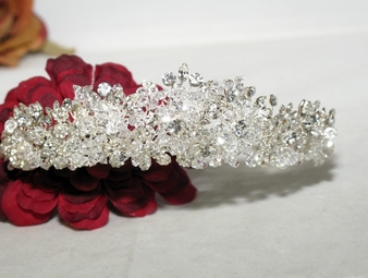 DRAMATIC - DAZZLING Swarovski Crystal Boutique Tiara-SALE!!
