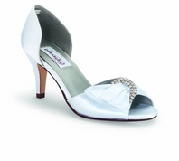 Dyables white or light ivory bridal shoe