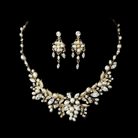 Eleganza- Crystal Freahwater pearl gold bridal necklace set