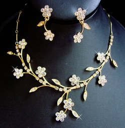 Gold Floral Beauty Bridal Necklace Set