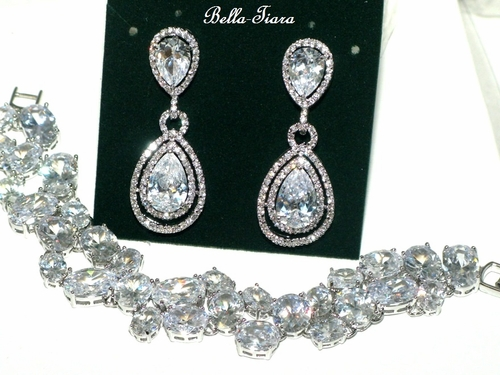 Layla Gorgeous Hiigh End Cz Earring And Bracelet Set