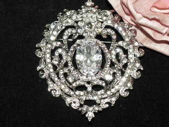 Loredana- Beautiful vintage lace bridal brooch - SALE!!