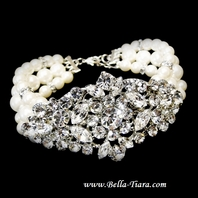 Razan - Stunning off white and swarovski crystal pearl wedding bracelet - SALE