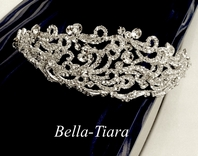 Royal collection - Elena designs stunning bold headpiece