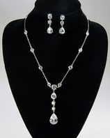 Stefania - Sophisticated elegance Cubic Zirconia Necklace set - SPECIAL