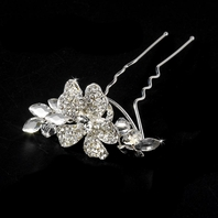 STUNNING!! Floral crystal bridal hair pin