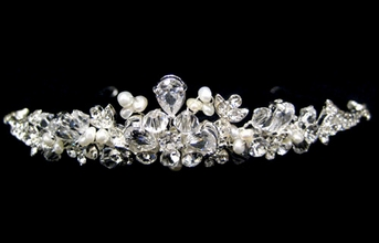 Vaso - Beautiful freshwater pearl and crystal bridal tiara - SALE!!