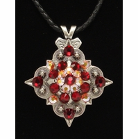 201233143 Rhinestone Crystal Diamond Shape Concho Necklace