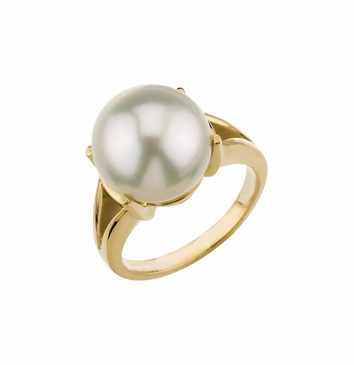 Dazzling Freshwater Pearl Ring