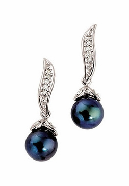 Diamond and Black Pearl Earring