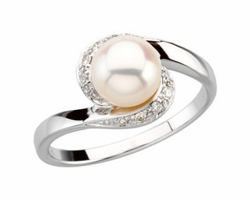 Diamond Ring with Pearl Stud