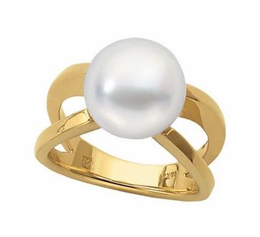 Dramatic Pearl Ring