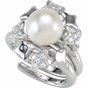 Impeccable Pearl and Diamond finger ring - click to Enlarge