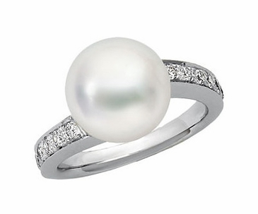 Natural Pearl and Diamond Finger Ring