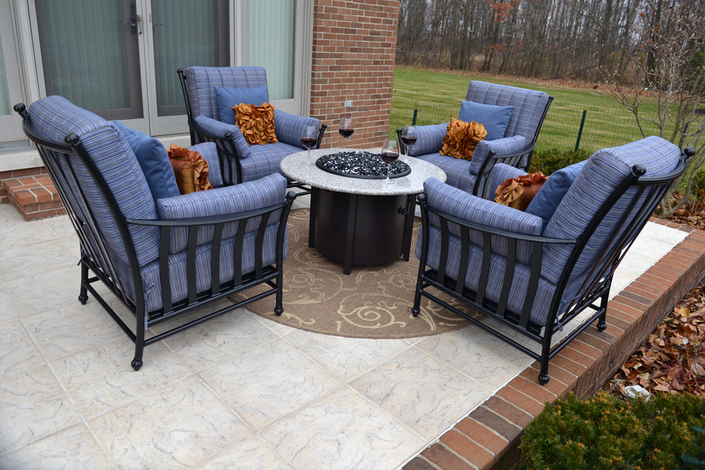 Amia 4 Person Luxury Cast Aluminum Deep Seating Set W Fire Pit And Stationary Chairs