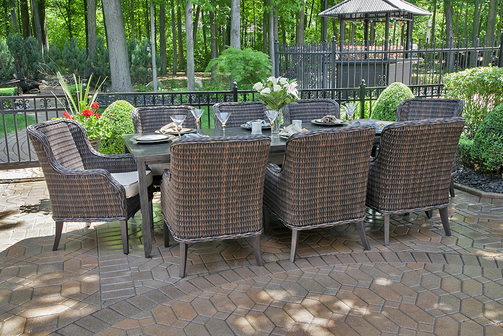 Attirant Mila Collection 8 Person All Weather Wicker Luxury Patio Furniture Dining  Set