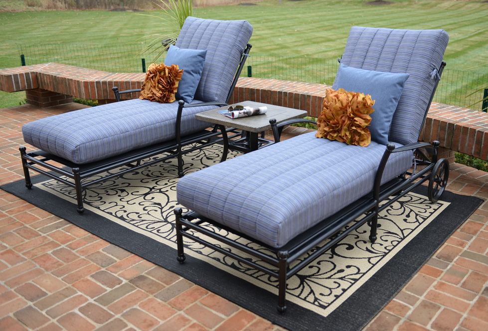 Amia 2 person luxury cast aluminum patio furniture chaise for 2 person outdoor chaise lounge