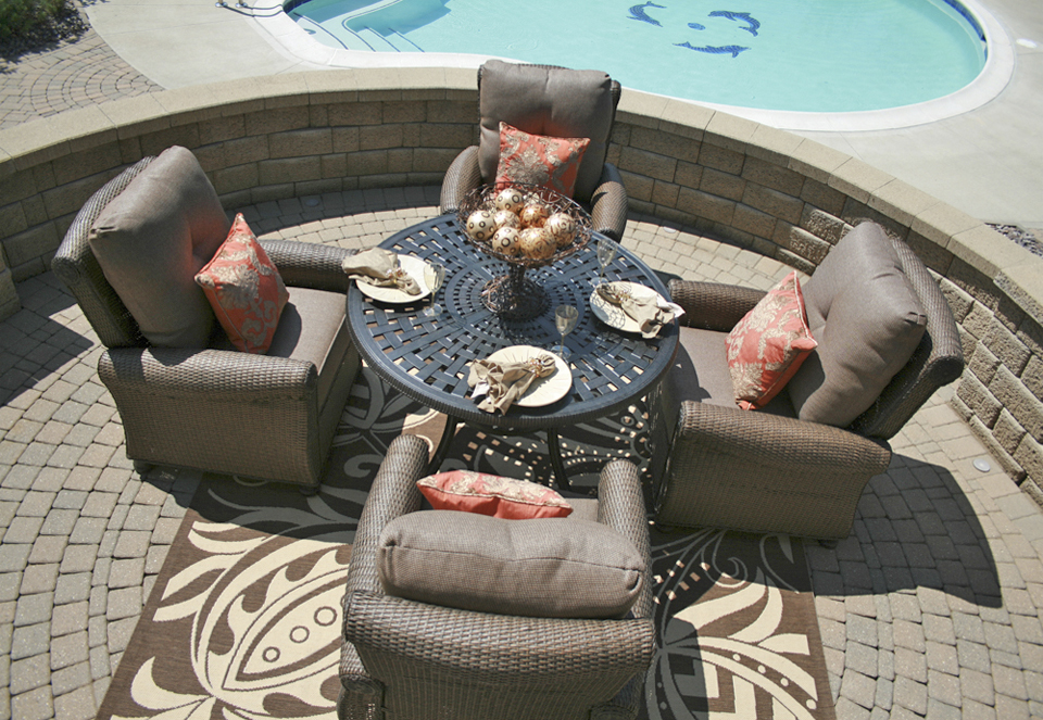 Giovanna Luxury 4 Person All Weather Wicker Cast Aluminum Patio Furniture Dining Set
