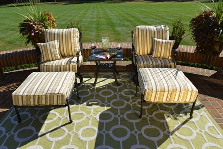 Serena Collection 2-Person Cast Aluminum Patio Furniture Chat Set W/Swivel Chairs And Ottomans