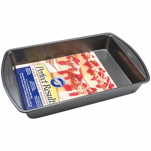 Wilton Perfect Results, Premium Non-Stick Oblong Cake Pan, 13 X 9 X 2, 2105-6060